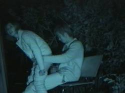 【赤外線盗撮エロ画像】自宅やラブホではなく深夜にお外で性行為…変態な男女の淫らな姿を至近距離から隠し撮り!の画像