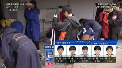 【女子陸上エロ画像】『全国高校女子駅伝』ウォーミングアップしてる時にパンチラするJK選手を発見wwwの画像