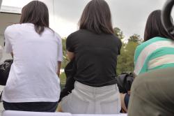 【透けブラ盗撮エロ画像】女の子の服からスケスケの下着に男性はムラムラ…凄い光景だと思う瞬間!の画像