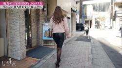 【画像あり】『USHIROSUGATA』街角で見かけた美女のお尻を追いかけるエロ番組…ミニスカやスパッツとか最高wwwの画像