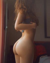 【外人お尻エロ画像】海外美女の豊満な色っぽい美尻に興奮しない男はいないだろうwwwの画像