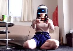 【盗撮動画】VRの本当の使い方がこれ!ナースにゲームさせている隙にスカートめくってパンチラ撮影wwwの画像