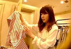 【逆さHERO】美人で大人しそうなショップ店員を2日連続でパンチラ撮影する鬼畜の所業wwwの画像