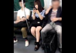 あどけない童顔に見合わないむっちり尻の美少女JKの食い込みパンチラ・・これはたまりませんわ【高画質】の画像