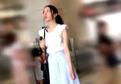 【盗撮動画】フロントの花柄までばっちり撮られる美人JD(前作動画もアリ)の画像