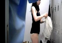 モデルJDの本物更衣室盗撮映像、顔出しでネット流出・・・(動画)の画像