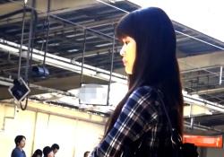 あの有名撮り師さん、JD~OL風美女たち6名を駅のエスカレーターでめくり撮り・・(パンチラ盗撮)の画像