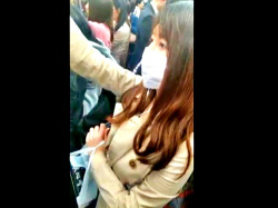 """電車内での姿撮りから逆さ撮りで都会の美人OL3名のパンチラを収録!""""ガチ""""の盗撮ってこういうのだよな・・【みかけ】の画像"""