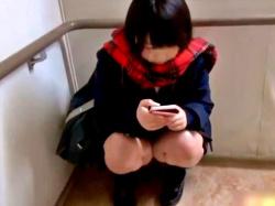 【個人撮影】初の円光でガチガチに緊張した美少女JKちゃん、パンチラと胸チラを撮影されて涙目www(天使のたまご)の画像
