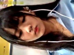 アイドル顔の超絶美少女JKのパンチラ盗撮動画、100回は抜けるwwwwwの画像