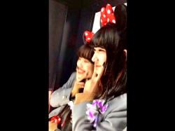 某アミューズメントパークで美少女JKのピンクPを長時間フロント撮りに成功したったwwww(盗撮動画)の画像