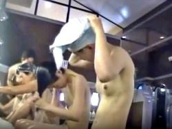 スーパー銭湯の若い女性客を洗い場から脱衣所まで付け回す女撮り師が優秀すぎる件www(動画あり)の画像