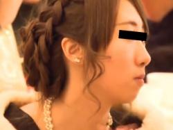 結婚式会場で着飾った美女たちがパンチラ盗撮されてる動画ってめちゃくちゃ興奮するよなwwwの画像