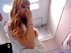 激カワキャバ嬢の同伴でパンチラ盗撮しまくる変態が発見されるwww(動画あり)の画像