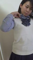 コスプレ喫茶の更衣室を盗撮!面接にきた緊張気味な子の着替えを真正面から隠し撮りしてる映像!の画像