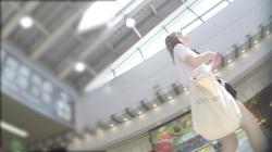 トリンドル系の美形ハーフJK→超絶短いスカートを前から後ろから盗撮してるパンツ映像を入手!の画像