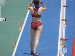 【屋外盗撮動画】早稲田大学の女子走り幅跳びの陸上選手を真後ろアングルから隠し撮りしムチムチでプリプリなブルマ尻や太ももを撮りまくる!の画像