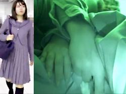 【JK痴漢盗撮動画】電車内で手マンされ声を出さなかった女子校生に悲劇…パンティをハサミで切られノーパンにされるwwの画像