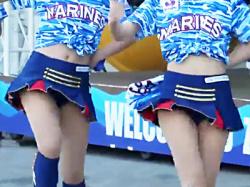 【チアガール盗撮動画】千葉ロッテマリーンズのチア『M☆Splash!!』がU.S.Aのいいねダンスを踊りながらパンチラ連発wwの画像