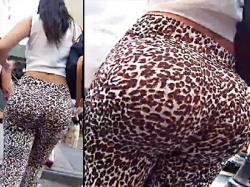 【アメリカ街撮り盗撮動画】ピチピチスパッツを履いた尻の自撮り写真をインスタにアップしてそうなスレンダー外国人を隠し撮りwwの画像