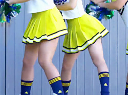【JKチアガール盗撮動画】ダンス部(チアリーダー)が『ときわ祭』のステージでムチムチ太ももを露出した衣装でパンチラ連発wwの画像