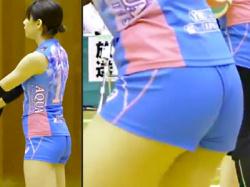 【女子バレー盗撮動画】富山県を拠点とするKUROBEアクアフェアリーズに所属していた吉川ひかるをエロ目線で隠し撮りwwの画像