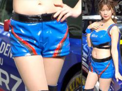 【大阪モーターショー2019盗撮動画】BRZブースで現役レースクイーン『あいきいく』のムチムチ太ももを隠し撮りwwの画像
