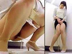 【我慢オシッコ盗撮動画】膀胱の限界まで我慢し続けて放尿することに快楽を覚えたOLたちのビーム放尿を隠しカメラ撮りwwの画像