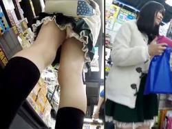 【腐女子逆さ撮り盗撮動画】可愛い顔してアニメ好き…彼氏と一緒にアニメショップに来店したミニスカ女子を隠し撮りwwの画像