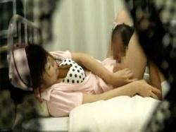 【病院セックス盗撮動画】長期入院で性欲が爆発した患者がナースをレイプ…ヤメて下さいの声届かず病室でオッサンが犯すwwの画像