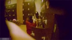 【銭湯盗撮動画】女湯に女撮り師が潜入して目当ての若いギャル達を見つけて脱衣所から洗い場を収録!の画像