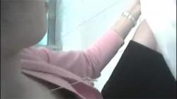 【胸チラ盗撮動画】ショップの激カワ店員さんの乳首ゲットに成功して嬉しすぎる撮り師!の画像