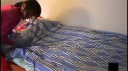 【家庭内盗撮動画】美人で自慢の妹の部屋を覗いてたら黒Tバック姿でローターオナニーを始めてビックリwwwの画像