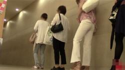 【トイレ盗撮動画】便所隠し撮りファン必見!ギャルから解き放たれる様子を上から下までしっかり撮影!の画像
