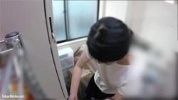 【更衣室盗撮動画】マクドナルドの女性スタッフの生着替えが流出…お店の制服が似合っていて可愛い!の画像