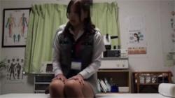 【マッサージ盗撮動画】交通事故のむち打ちで整体にやってきた美人OL…乳房と股間を丹念に揉み解されて濃厚セックス!の画像