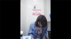 【トイレ盗撮動画】澄ました表情のお姉さんがオシッコ!生理中でパンツには赤い染みが!の画像