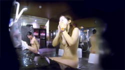 【女子風呂盗撮動画】美ボディーのお姉さんが身体洗い!垂れ落ちた泡が精子を浴びたように見えてエロい!の画像
