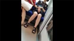 【対面パンチラ盗撮動画】電車の真正面から隠し撮りされてしまったお姉さん!顔を見ながらパンツも見れちゃう!の画像