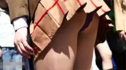 【コスプレ盗撮動画】イベント会場でレイヤー達のハプニングを撮影…おっぱいポロリ、ハミ毛ありwwwの画像