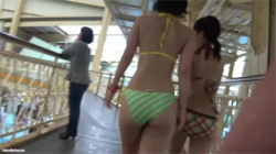 【プール盗撮動画】暑い夏はやっぱりプール!今回の隠し撮りのターゲットは当然水着のお姉さん!の画像