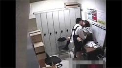 【JK万引き盗撮動画】気の迷いで商品を盗んだ女子校生…店長に犯されながら謝罪してる!の画像