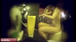 【女湯洗い場盗撮動画】シャワーを浴びただけなのにローションぶっかけられたようなツヤツヤ肌のお姉ちゃん!の画像