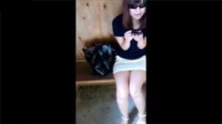 【美女パンチラ盗撮動画】スタイル抜群のお姉さんを逆さ撮りしてみたらパンツの食い込みが最高だった件!の画像