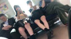 【JK逆さ撮り盗撮動画】もう綺麗な脚に魅了されっ放し!引き付けられるように隠し撮りを続けちゃった!の画像
