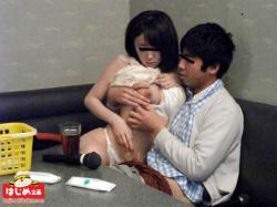 カラオケボックスのエロ画像 フェラ・セックスのやりたい放題の画像