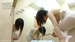【更衣室盗撮】バレエ好きな素人嬢はムチムチ超いいカラダの画像