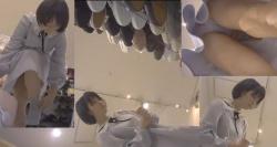【パンチラ盗撮】靴を選んでる不思議系ふわっとした素人嬢のワンピからパンティとソックスメチャ撮りの画像
