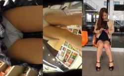 【パンチラ盗撮】街中やお店追跡されてパンティ盗撮されちゃう素人嬢達の画像