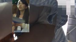 【パンチラHD盗撮】祭り観戦のカップル後ろから寝取りパンチラ逆さ撮り盗撮の画像